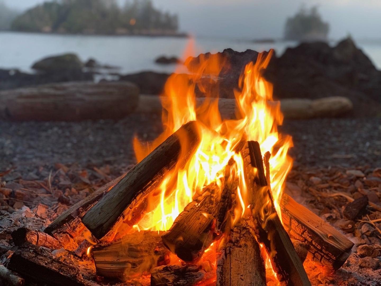 Snug Harbour Inn Beach Fire